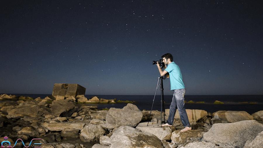 وجود سه پایه برای عکاسی در شب بسیار مهم است.